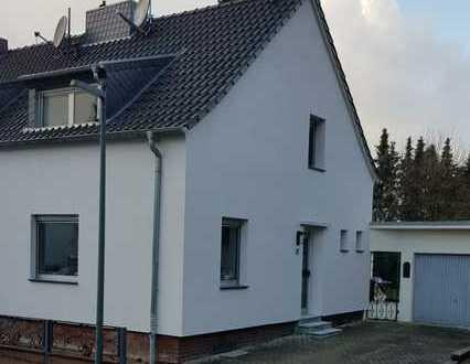 Doppelhaushälfte mit drei Zimmern in Aachen (Kreis), Alsdorf-Hoengen