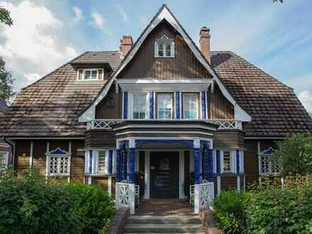 Außergewöhnliches freistehendes Haus in Eppendorf – denkmalgeschützte Holzvilla