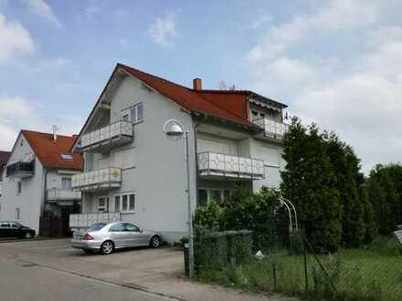 Schöne 4-Zimmer-DG-Wohnung mit zwei Balkonen und Einbauküche in Linkenheim-Hochstetten