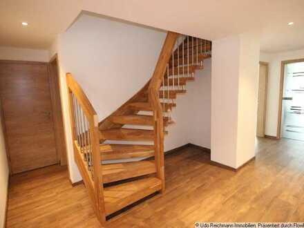 5,5 Zimmer-Wohnung - Traumhaft wohnen über den Dächern von Blumberg !