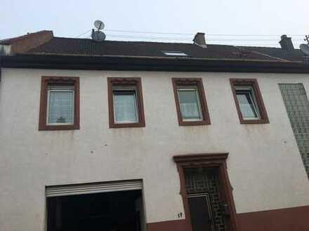 Einfamilienhaus in Kollweiler ZU VERKAUFEN.