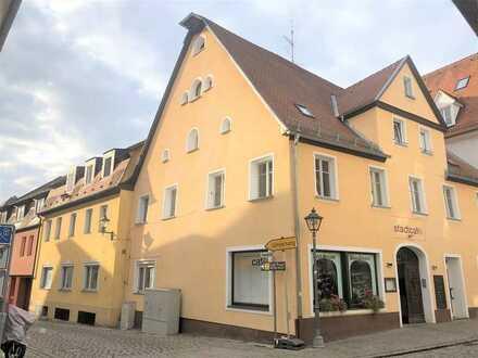 Konditorei/Restaurant, Hersbrucker Altstadt, Eckgebäude, 120 m² Laden-/Gastraumfläche