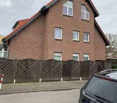 Gepflegte 3,5-Zimmer-Maisonette-Wohnung mit Balkon und EBK (zur Nutzung überlassen) in Willich