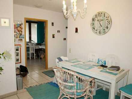 Komfortable 4 Zimmer - Wohnung mit Terrasse!