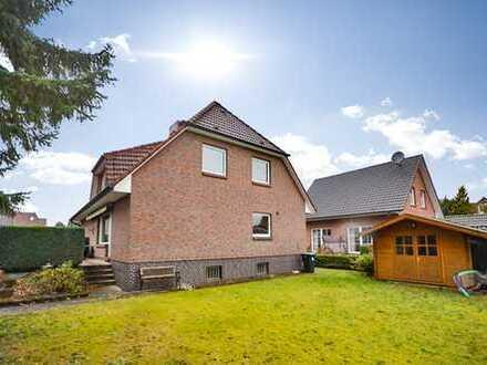 Familiengerechte Doppelhaushälfte auf sonnigem Grundstück in Hamburg- Poppenbüttel