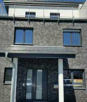Schönes, geräumiges Haus mit fünf Zimmern in Wolfsburg-Ehmen