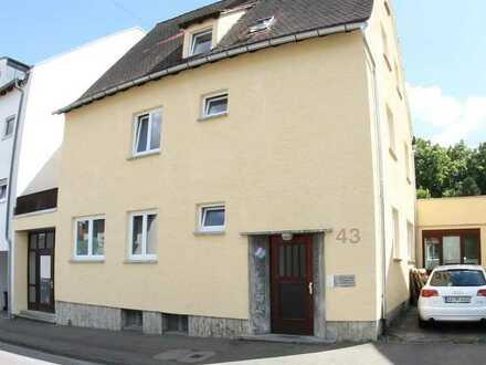 5-6 Zimmer Wohnung mit 2 Bädern und Einbauküche