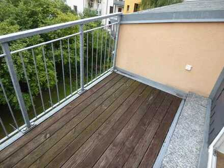 """""""Na das ist ja ne Hübsche!"""" - 2-Raum im DG mit Balkon und neuem Laminat"""