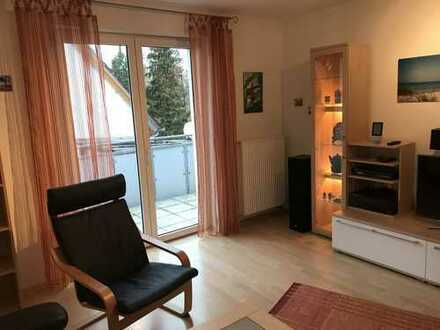 Tolle, komplett möblierte 3-Zimmer-DG-Wohnung mit Balkon und Gartennutzung in Erlangen- Sieglitzhof