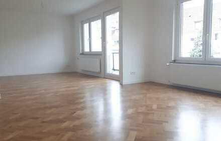 Komplett sanierte 2-Zimmer-Wohnung in Köln-Mülheim zu vermieten!