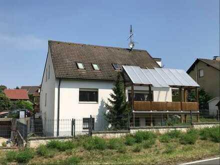 Großes Haus mit vielen Möglichkeiten! 2 - 3-Familienhaus mit Garagen in zentrumsnaher Lage