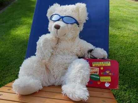 """Unser Immobilien-Orakel empfiehlt bei Hitze: Pool ist cool - so wie der neue """"coole"""" Angebotspreis!"""