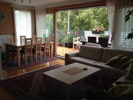 Exklusive, neuwertige 5-Zimmer-Maisonette-Wohnung mit Balkon und EBK in Tübingen (Kreis)