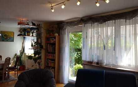 Schöne 3 (4)-Zimmer-EG-Wohnung mit Garage, Garten und EBK nähe Uni Klinik