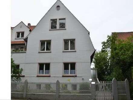 Im 1-Obergeschoss mit tollem Blick, bevorzugte Wohnlage, Park und Innenstadtnähe!
