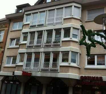 Pfhm.-Brötzinger Fußgängerzone, Ladenlokal, Einzelhandel etc. mit Schaufenster