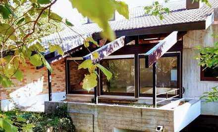 Attraktives Einfamilienhaus mit großzügiger Einliegerwohnung in ruhiger Wohnlage von Schönaich