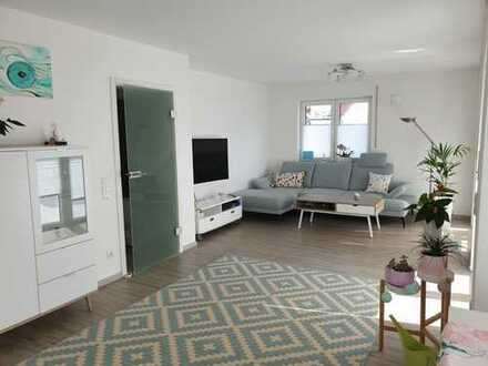 Provisionsfrei! Moderne, helle 3 Zi.-Whg., EG, Garten + 35 m² Hobbyraum