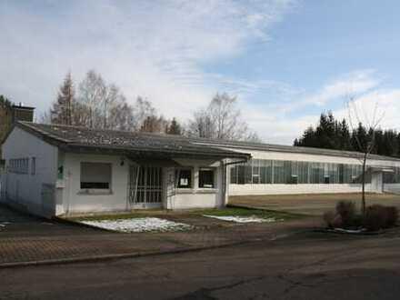 Gewerbehalle mit Büro und Sozialräume