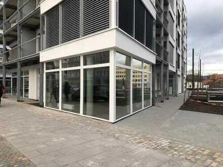Repräsentative Verkaufsfläche mit großer Fensterfläche * Erstbezug