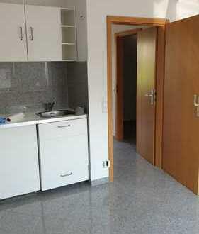 Gemütliche, kleine 1 Zimmer Wohnung mit eigenem Eingang und kleiner Terrasse
