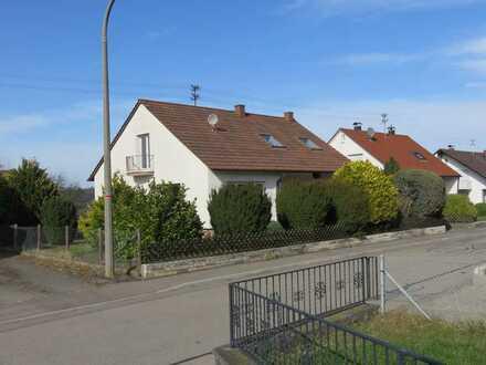 Schönes Einfamilienhaus mit fünf Zimmern und Einbauküche in Bodelshausen, Bodelshausen