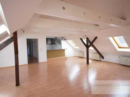 Attraktive, lichtdurchflutete 4-Zimmerwohnung, mit offener Küche, in Essen-Altendorf.