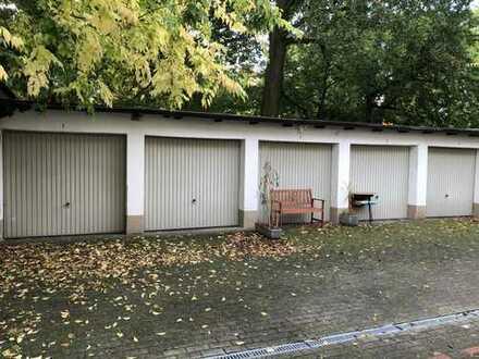 RESERVIERT* ZWEI Garagen für keline PKWs, im Innenhof, Karlsruhe-Bismarkstraße