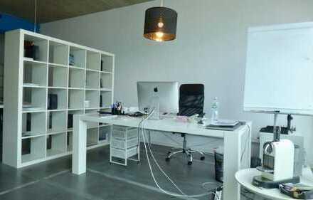 Krasses Industry-Office im Google-Style mit extravaganten Themenbereichen