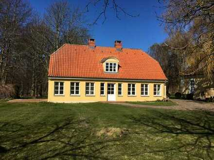 Haus in wunderschöner Lage mit Parkzugang