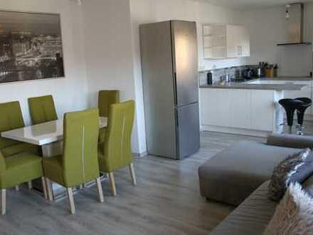 Stilvoll möblierte 2-Zimmer-Wohnung mit Balkon und EBK in Neustadt an der Weinstraße