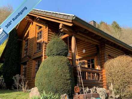 Wunderschönes hochwertiges Holzhaus in ruhiger Wohnlage von Weinähr