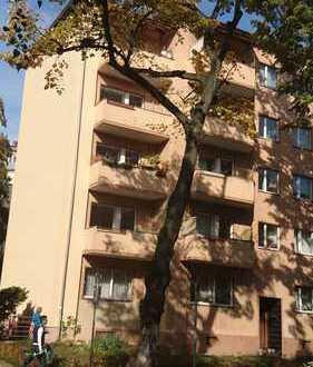 Gepflegte 2-Zimmer-Wohnung mit Balkon und Einbauküche in Friedenau (Schöneberg), Berlin