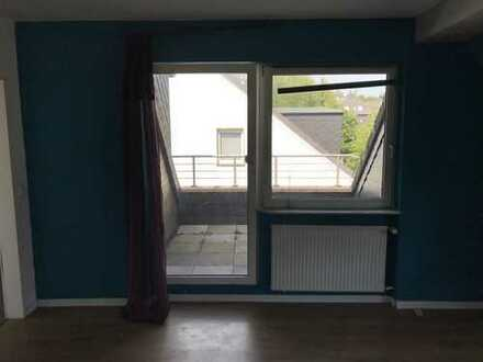 Günstige 3,5-Zimmer-Dachgeschosswohnung mit Balkon in Gelsenkirchen