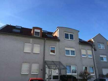 Großzügige Eigentumswohnung (Maisonette) mit Balkon, PKW-Stellplatz und Garage