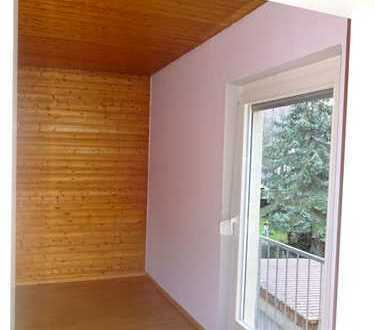 Ansprechende 5-Zimmer-Wohnung mit 40 m² großer Terasse und Einbauküche in Mössingen