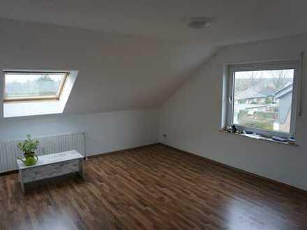 Schön geschnittene 3-Zimmer-DG-Wohnung mit modernem Wannenbad und Garage in Dorsten-Rhade