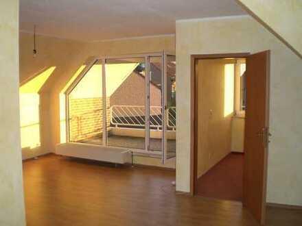 Gepflegte 2-Zimmer-Dachgeschosswohnung mit Balkon in Marl-Hüls
