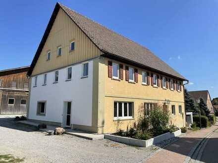 Modernisierte Wohnung mit viereinhalb Zimmern sowie Balkon und EBK in Rosengarten
