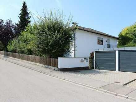 Freistehendes Einfamilienhaus mit Einliegerwohnung in ruhiger Lage zu verkaufen