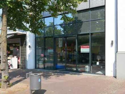 Modernes Ladenlokal am Dreiecksplatz!