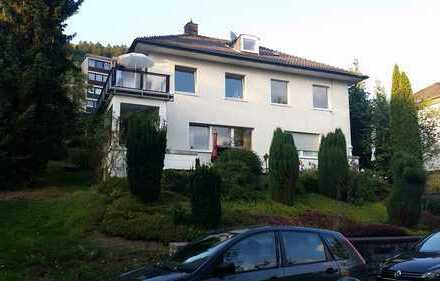 DG-Wohnung mit 2,5 ZBK in bester Wohnlage von Werdohl, inkl. Einbauküche.