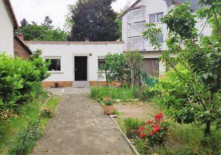 Freistehendes Einfamilienhaus in ruhiger Lage mit Einbauküche, Garten und 180m² Nutzfläche