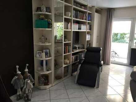 Schöne 3,5-Zimmer-Wohnung mit Balkon und EBK und vielen Extras in Hockenhem