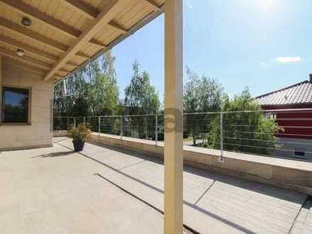 Modernes Wohnen vor der Hauptstadt: Gehobenes EFH mit Dachterrasse und großem Garten in Bernau!