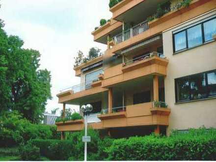 Exklusive Lage: helle, modernisierte 3-Zimmer-Wohnung mit Sonnenbalkon, EBK, Bad Godesberg