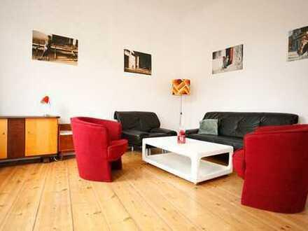 Bezugsfrei, hell, ruhig, provisionsfrei: 5-Zimmer-Wohnung mit 2 Balkonen in Rummelsburg