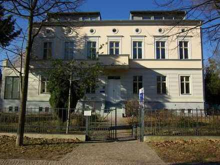 Charmante Dachgeschoßwohnung im Herzen von Potsdam mit Außenstellplatz