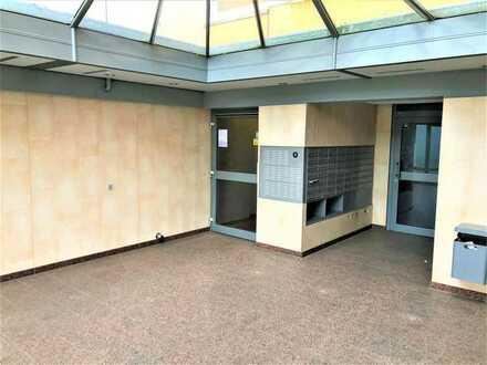 2 Zi.-Whg. mit Loggia u. Stellplatz in sehr gepflegtem Hochhaus in Maintal-Bischofsheim