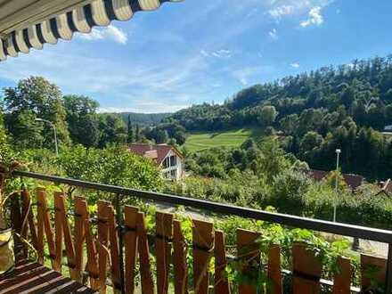 Gepflegte 3,5-Zimmer-Wohnung mit Balkon und Einbauküche in Rexingen
